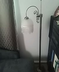 white and gray floor lamp Vancouver, 98664