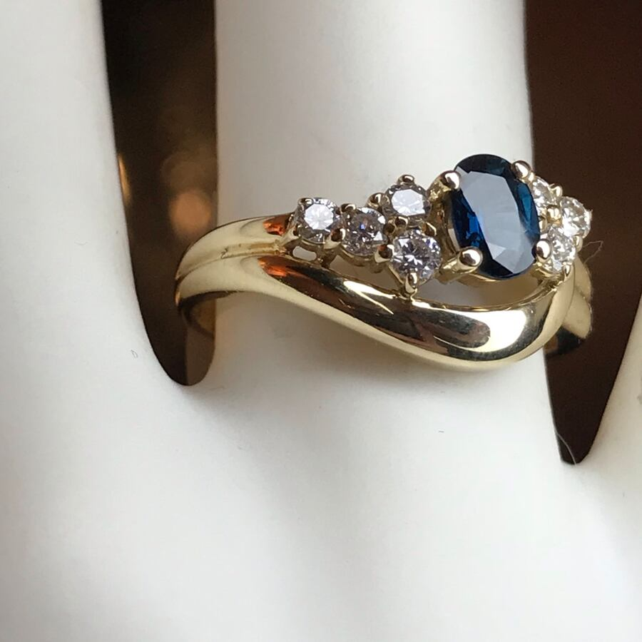 14k Diamond and Sapphire Gold ring