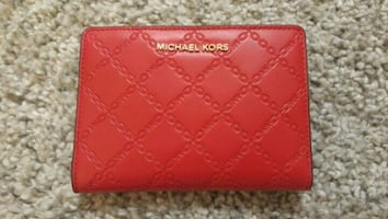 Michael Kors bifold chain-quilted wallet