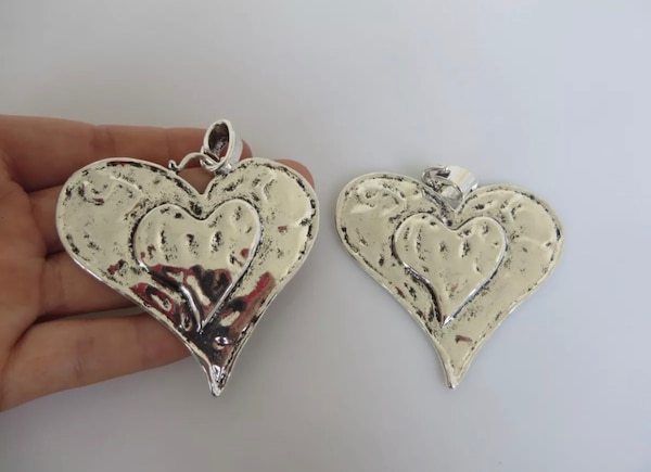 Beautiful Large Abstract metal allow HEART pendants. 8d174815-c512-4720-80f9-e8c371d25273