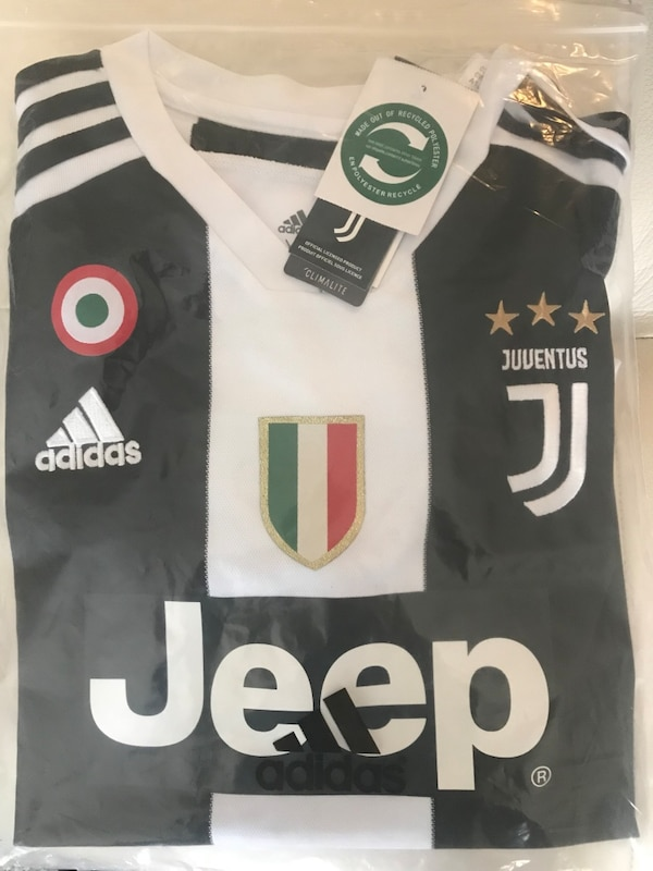 buy online f219f 32578 Adidas Ronaldo Jersey Juventus 18/19 Home CR7 size L and XL. Condition is  New with Tags