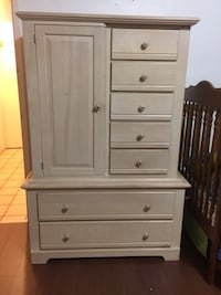 white wooden 6-drawer dresser New Westminster, V3M 3Z4