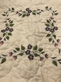 Quilt 90 x 94 in and two pillow shams  Hagerstown, 21742