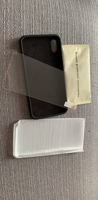 iPhone XS Max case with screen protector Toronto, M6E 1G6