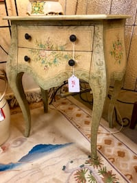 Painted Accent Table Savannah, 31410
