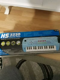 HS 3230 Electric Piano