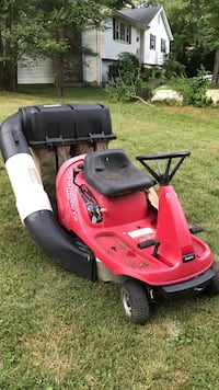 red and black ride on mower North Stonington, 06359