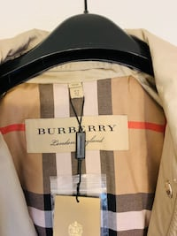 authentic burberry trenchcoat size 10 euro size Brampton, L7A 2H7