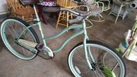 teal and white cruiser bike Mountain Top, 18707