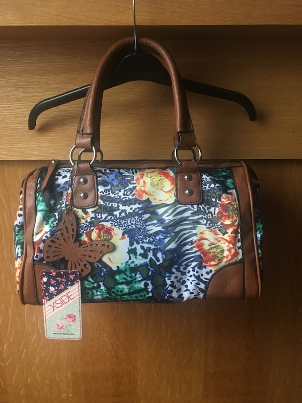 Hand Bag with flower designs New