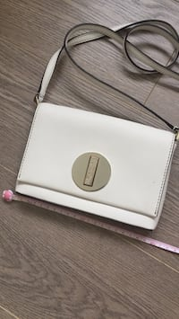 Kate spade leather Saffiano bag New Westminster, V3M 1Y9
