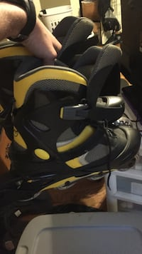 Yellow and black inline skates