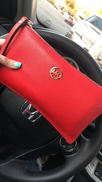 Red michael kors leather handbag 2333 mi