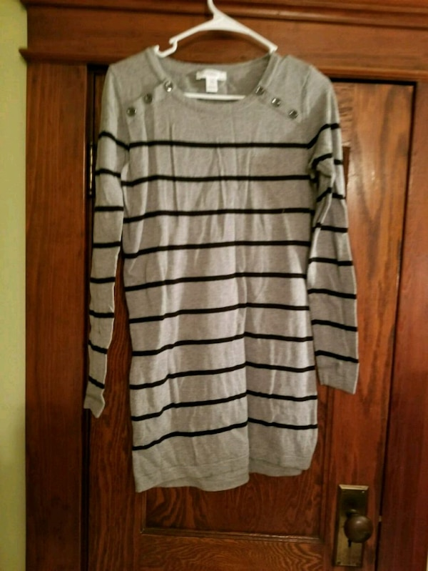 4e2bfe4ee4b61 Used Motherhood maternity tunic sweater-medium for sale in Cresson ...