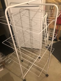 Foldable clothes drying rack