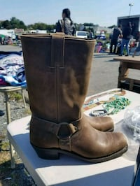 Frye boots woman never worn  Knoxville, 21758