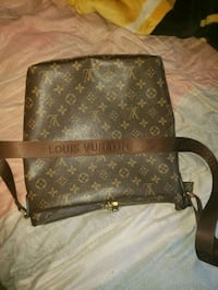 Louis Vuitton purse  Winnipeg, R2M 3L7