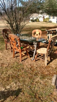 Handmade table and chairs Kennett Square, 19348
