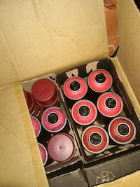 Spray paint 200 cans