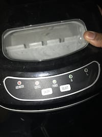 Igloo ice maker just add water  Atlanta, 30345