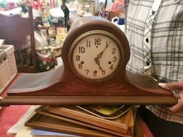 Mantle chime clock