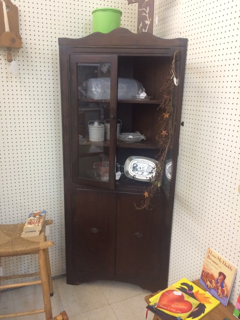 Letgo brown wooden cabinet in johnson city tn for Kitchen cabinets johnson city tn