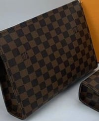 LV toiletry bag 26