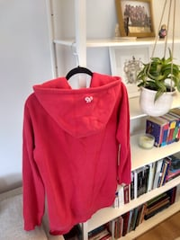 Cherry Red tna Hoody - Size M Vancouver