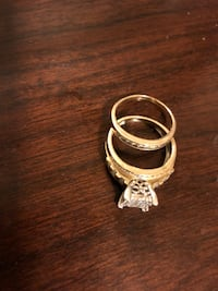 10K diamond ring ONLY A FEW MONTHS OLD!!! REAL GOD REAL DIAMOND paid a lot still have receipt Bridgeport, 06606
