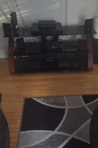 Tv stand  Fitchburg, 01420