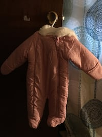 Pink snowsuit for baby 6 month Lynn, 01902