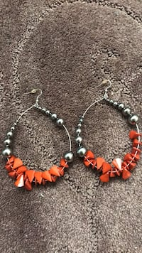 silver and orange beaded necklace Los Angeles, 90008