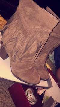 fringe brown suede almond-toe chunky-heeled boots