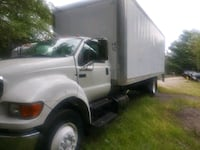 2004 Ford f-650 4x2 Box truck 26ft. With lift