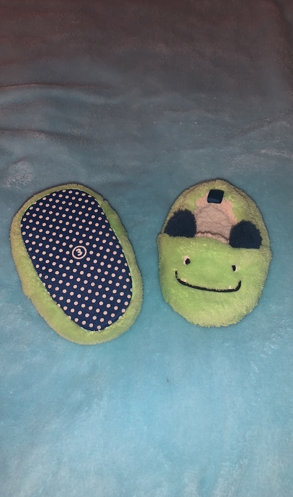 Plush Monster Slippers , Size 3 52f984eb-7708-474d-bb1e-bd587533f560
