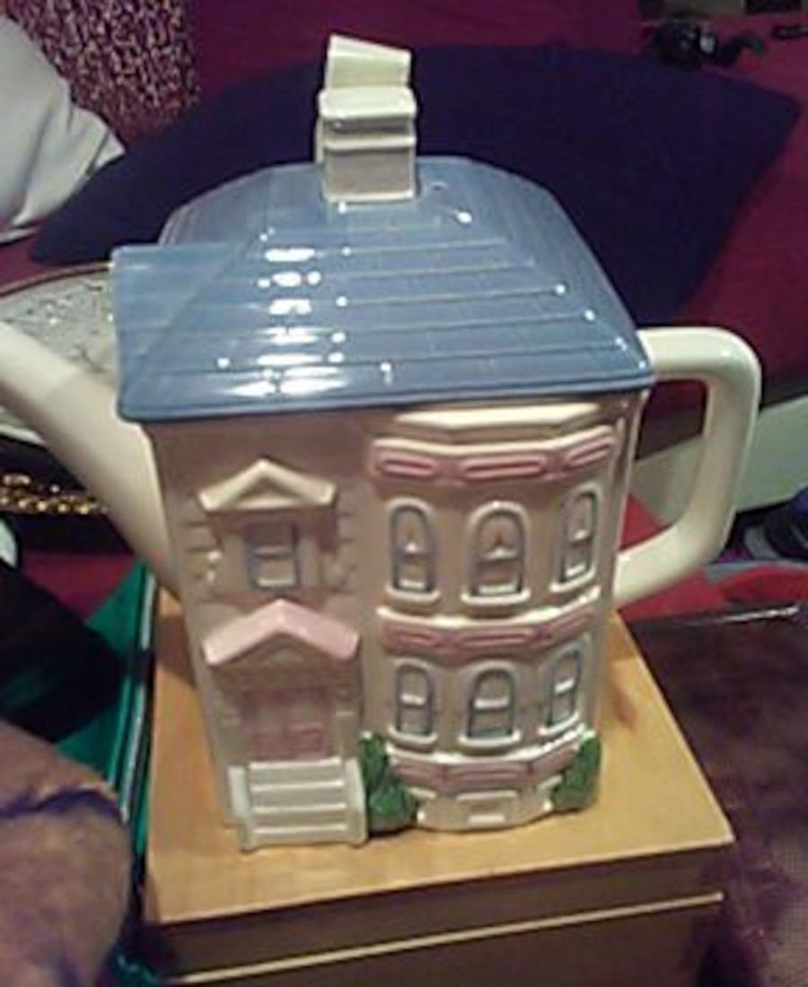 Hearth and home designs teapot in henderson letgo for Hearth and home designs
