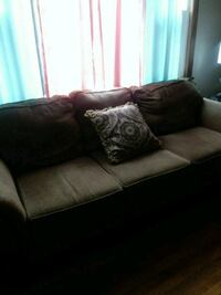 Couch and loveseat 183 mi