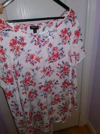 Torrid Blouse size 1 (14 or 16)