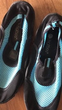 Swimming shoes 7/8 College Park, 20740