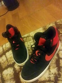 pair of black-and-red Nike running shoes Farmingdale, 11735