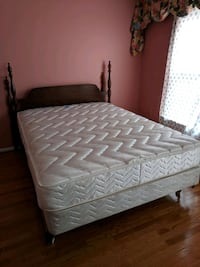 queen bed, boards and frames cherry oak West Springfield, 22152