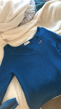 Women's Large Hollister Sweater