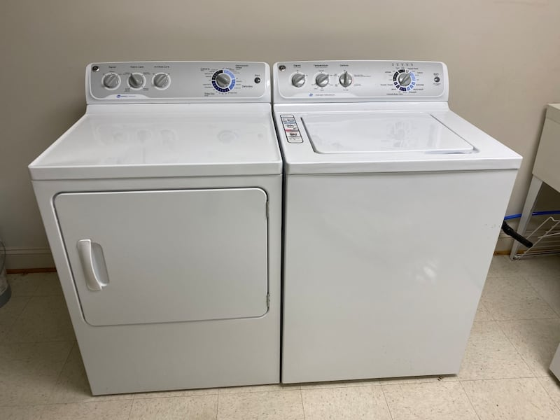 GE Washer and Dryer Set 0