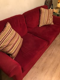 Red Couch ( SALE !)  15 mi