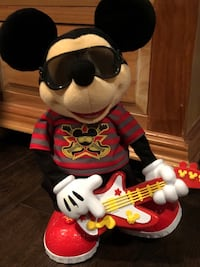 Rock Star Mickey DISNEY Dancing, Singing, Playing Mickey Mouse..