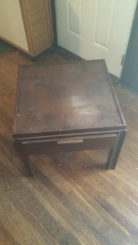brown wooden side table Gainesville, 32607