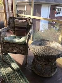 Wicker chair with side table Dundas, L9H 4H5