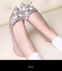 Beautiful spring flat sandals with beautifully crystals Mississauga, L5J 2B6