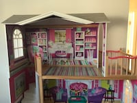 American girl doll house with furniture accessories Newark, 19702