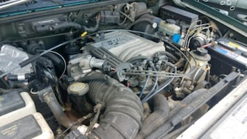 read ad 5.0L 4.6L complete engines